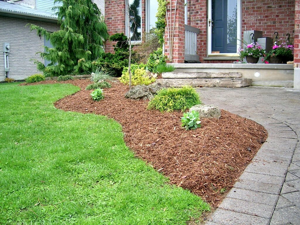 Mulch Installation - London, Ontario Landscaping & Custom Landscape Design