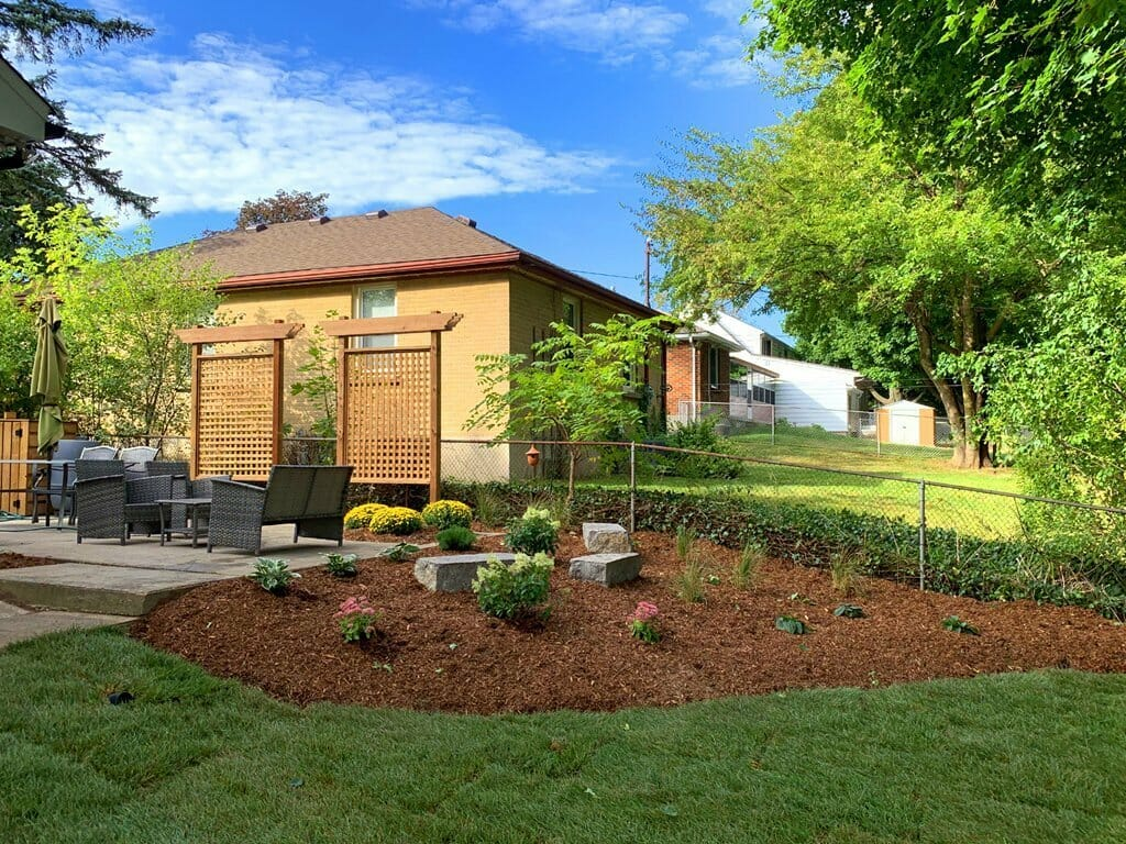 London, Ontario Landscaping - SimpliScapes Backyard Website 1