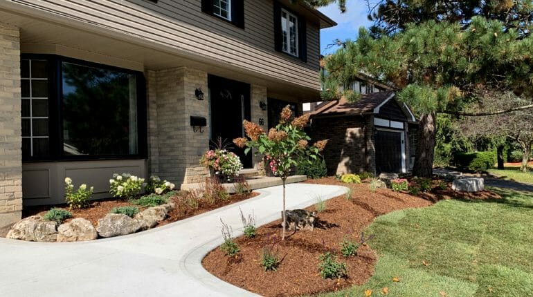 London, Ontario Landscaping - SimpliScapes Front Yard Website 1