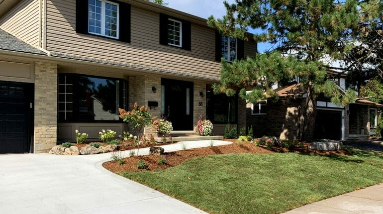 London, Ontario Landscaping - SimpliScapes Front Yard Website 3